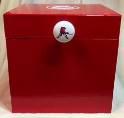detroit red wings box 8x8x7 inches red