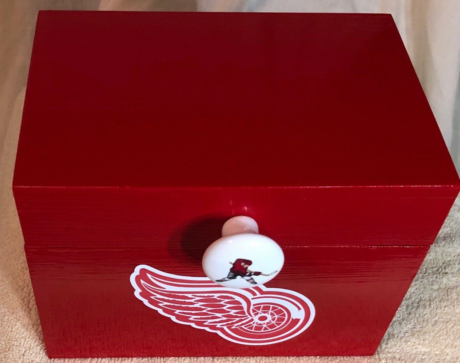 detroit red wings wood box 8x6x6 inches